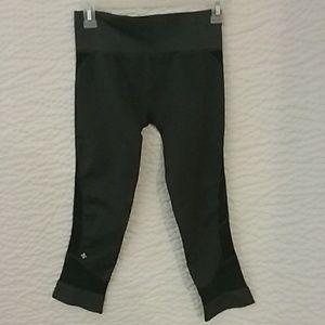 Nix capri leggings, size medium